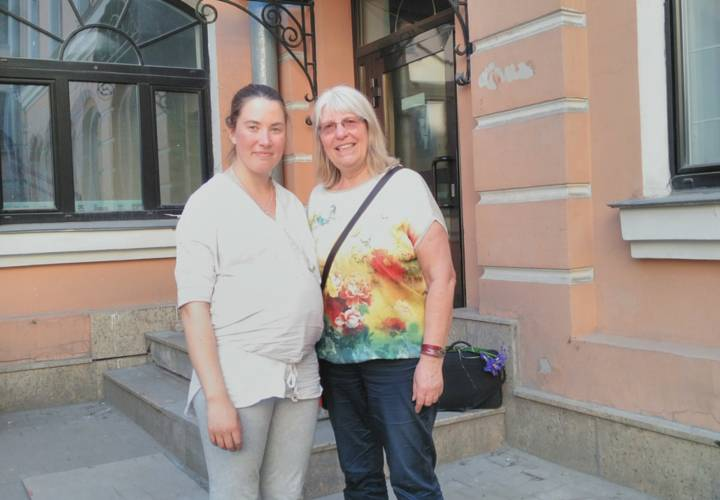 Немецкая акушерка Корнелия Эннинг на конференции журналов Midwifery today и Домашний ребенок в Санкт-Петербурге 11-15 мая 2016 года